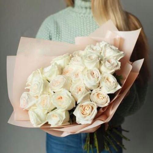 Купить на заказ Букет из 31 белой розы с доставкой в Капчагае