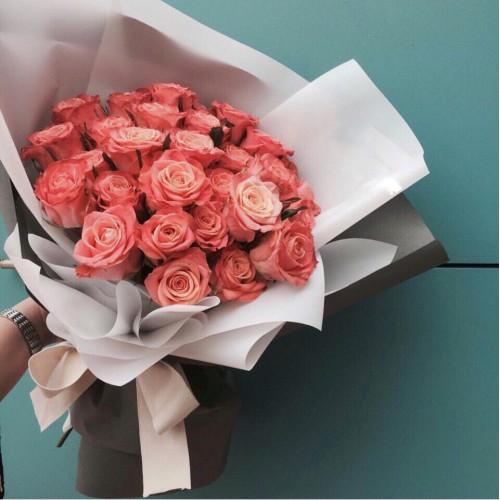 Купить на заказ Букет из 31 розовой розы с доставкой в Капчагае