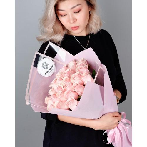 Купить на заказ Букет из 25 розовых роз с доставкой в Капчагае
