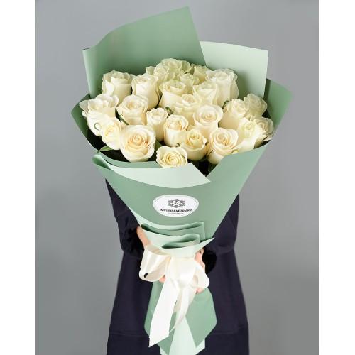 Купить на заказ Букет из 25 белых роз с доставкой в Капчагае