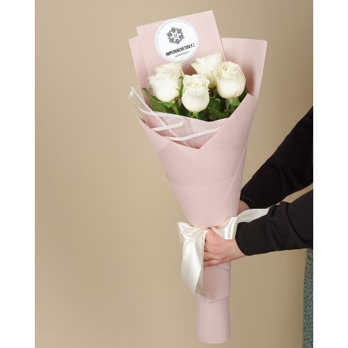 Купить на заказ Букет из 5 роз с доставкой в Капчагае
