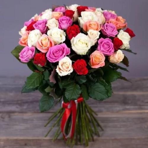 Купить на заказ Букет из 31 розы (микс) с доставкой в Капчагае
